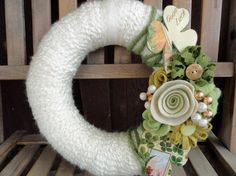 Yarn Wreath with Felt Flowers 10 in Molly O'Malley by cakoons