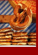 German Food Guide - Recipe: Laugenbrötchen This is not the right picture. It is a pretzel roll. Bavarian Recipes, German Recipes, German Bread, German Cheese, Food Porn, Good Food, Yummy Food, Bread And Pastries, International Recipes