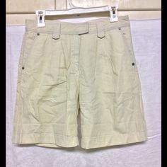 Burberry Brit Shorts size 25 cotton/linen NWOT Creamy shorts, Bermuda, classy, back buckle, cotton linen NWOT Burberry Shorts Bermudas