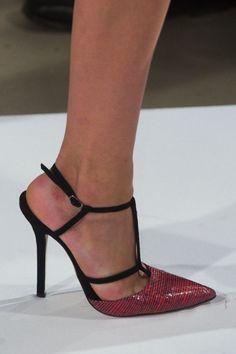 Oscar de la Renta Elegant Strappy Sandal Fall 2014 #Shoes #Heels