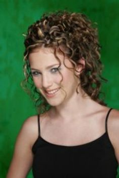 A current ringlet hairstyle, great for special occassions. This one from Michael Christopher Salon, Lyndhurst, Ohio