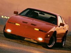 Pontiac Firebird Trans Am GTA (1987).