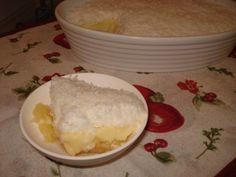 A Delícia de Abacaxi com Coco é uma sobremesa deliciosa e fácil de fazer. Faça para a sobremesa da sua família e receba muitos elogios! Veja Também:Pavê D
