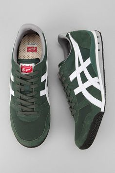 sale retailer ee9ef 6006b Asics Ultimate 81 Sneaker UrbanOutfitters Running Sneakers, Asics, Urban  Outfitters, Loafers
