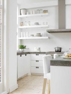 white kitchen // #kitchen #decor #homedecor #interior #interiordesign #room #beautiful #white