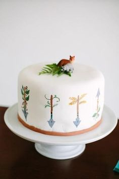 woodland baby shower cake by Divonsir Borges