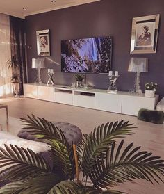 Image about beautiful in Home 🌺🙈😈 by Taki on We Heart It Living Room Decor Cozy, Elegant Living Room, Living Room Interior, Home Living Room, Apartment Living, Living Room Designs, Glamour Living Room, Dream Decor, House Rooms