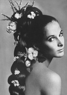 Photo by Irving Penn, 1965.