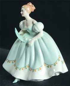 Royal Doulton Royal Doulton Figurine First Dance - Nb660, No Box