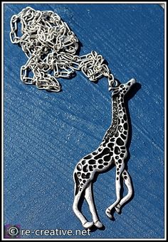 Need giraffe jewelry now!