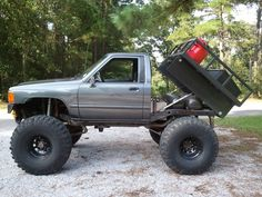 2nd Gen Toyota with a hydraulic bed.