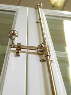 Schwedische Sprossenfenster und Türen aus Kiefernholz von RM
