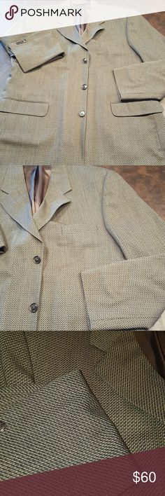 Men's Sport Coat Blazer sz 42 Long EUC, dry cleaned sport coat from Men's Warehouse.  Perfect weight for year round.  Pattern is olive, tan, black.  Goes great with khakis.  42 Long. Suits & Blazers Sport Coats & Blazers