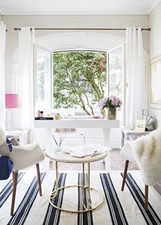 So glamorous ❤️ light-filled chic office space