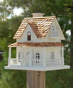 Home Bazaar Home Bazaar Hobbit House, White Hausbasar Hausbasar Hobbit House, Weiß Decorative Bird Houses, Bird Houses Painted, Bird Houses Diy, Small Buildings, Modern Buildings, Articles En Bois, Bird House Plans, Woodworking Projects That Sell, House Beds