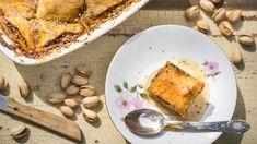 Máte rádi sladké? Hodně sladké? Pak je baklava pro váš mlsný jazýček přímo stvořená. Její příprava je sice trochu zdlouhavá, ale zároveň velmi jednoduchá. Takže pokud se nebojíte válení těsta, schutí do toho! Tzatziki, French Toast, Breakfast, Morning Coffee