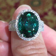 Always a sucker for a gorgeous green tourmaline! #greenwithenvy #stevequickjeweler #chicagorocks