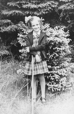 Bearing Witness to the Holocaust: A German Jewish Girl Who Was Part of the Kindertransport(1939)  Posted on March 10, 2009    This German Jewish girl (age 7) was part of the Kindertransport that, in 1939, got 10,000 Jewish children out of Nazi-controlled areas of Europe. Her name: Dorrith Oppenheim. She ended up in Scotland. Her parents died at Auschwitz in 1944.
