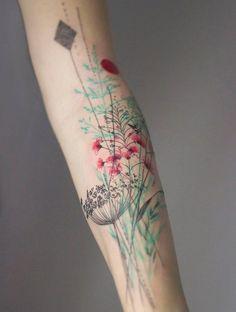 Tatouages : 50 dessins de peau fleuris pour un esprit bucolique