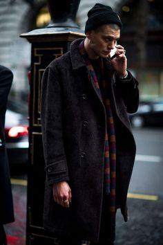 London Fashion Week Men's street style: the strongest looks from the LFWM shows from our photographers and editors Cool Street Fashion, Look Fashion, Trendy Fashion, Fashion Outfits, Fashion Trends, Fashion Coat, Suit Fashion, Fashion Styles, Fashion Photo