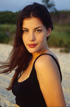 """Welcome to Loving Liv Tyler! Liv Tyler (born July is an American actress, best known for her role as Arwen in """"The Lord of the Rings"""" trilogy. Tyler Young, Liv Tyler 90s, Actrices Hollywood, Steven Tyler, Glamour, Beautiful Actresses, Hollywood Actresses, Portraits, Beautiful Women"""