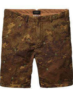Chino-Shorts mit Stickerei | Kurze Hosen | Herrenbekleidung von Scotch & Soda
