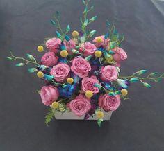 Αποστολή λουλουδιών online. Λουλούδια για κάθε περίσταση και εποχή. Μπουκέτα, ανθοδέσμες, τριαντάφυλλα και συνθέσεις λουλουδιών & δώρων. Δωρεάν μεταφορικά, χαμηλές τιμές.