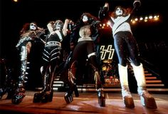 the kiss museum news Kiss Images, Kiss Pictures, Gene Simmons Kiss, Peter Criss, Kiss Photo, Kiss Band, Ace Frehley, Hot Band, Star Children