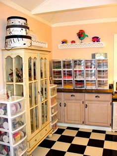 I would LOVE to make the extra bedroom a craftroom like this!  Oh wait....I don't have an extra room yet.  HA HA...