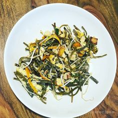 I see, that you love my alga pasta #recipes, so there is a new one, I think the #finest   #recipe: #cook the iseapasta 20 minutes with juice of half lime. In a pan #bake in butter slices of salted tofu, chopped garlic and ginger and basil, and 1 sliced carrot. Mix the alga and a handful Mung Bean #Sprouts with them in a pan 1-2 mins. Add some green salad too. It's #easymeal , but #mungbean is filling, so you will not stay#hungry. @seamorefood has owe the #iseapasta product.