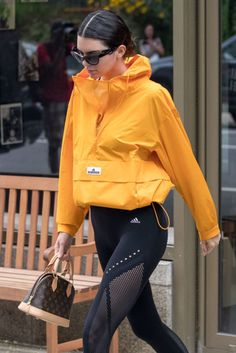 Kendall Jenner Style, Clothes, Outfits and Fashion- Page 5 of 144 - CelebMafia Kendall Jenner Outfits Casual, Kendall Jenner Style, Casual Outfits, Kylie Jenner, Womens Sports Fashion, Sport Fashion, Style Fashion, Luxury Fashion, Sports Day Outfit
