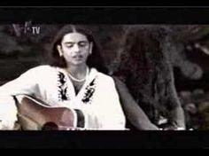 Carlos Vives performing La Tierra Del Olvido