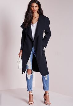 We're totally chasing waterfall this season and we got it bad for this totally chic long length navy coat here at Missguided. Flaunt what you got in this belted serious soft feel beaut with oversize waterfall lapel finish to make sure you...