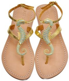 Lovely Summer Open Golden Sandals With Cute Seahorse Design Crazy Shoes, Me Too Shoes, Golden Sandals, Shoe Boots, Shoes Sandals, Flat Sandals, Mode Shoes, Summer Shoes, Summer Sandals
