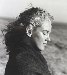 1949. Photo de Andre de Dienes