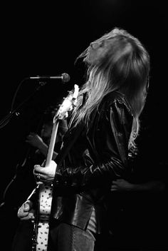Jerry Cantrell-Alice in Chains...........
