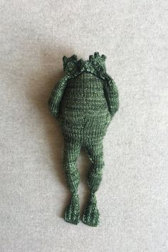 Knitting Projects, Knitting Patterns, Crochet Patterns, Knitting Ideas, Hand Knitting, Crochet Hooks, Knit Crochet, Frog And Toad, Frog Crafts