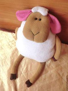 """Подушка-игрушка """"Милая овечка"""" - новый год 2015,овечка,купить овечку,игрушка"""