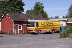Shop in the bus  Myymäläauto parkissa - myymäläauto kaupankäynti vähittäiskauppa kauppa-auto kiertävä kauppa K-kauppa elintarvikemyymälä Mercedes-Benz Kiito...