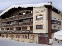 """Appartement London Pub in Kitzbühel - Kirchberg günstig buchen / Österreich Die lebhaften Appartements London Pub liegen mitten im Zentrum von Kirchberg. Sie wohnen über der bekannten Bar """"London Pub"""", wo täglich ein internationales Publikum feiert. Der perfekte Ausgangspunkt für den allabendlichen Aprés-Ski! In das etwa 1 km entfernte Skigebiet Kitzbühel gelangen Sie bequem mit dem Skibus, der direkt vor der Tür hält. www.winterreisen.de"""