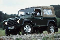 Bild Land-Rover Defender als Geländewagen - 90 kW - bei mobile.de
