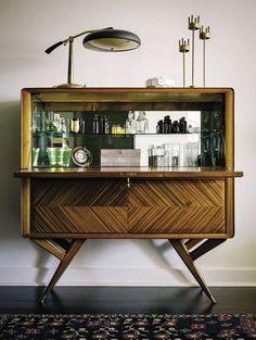 Mobile bar in stile retrò - Mobile bar da appartamento dallo stile vintage.