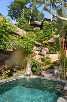 If you love being pampered in a surreal landscape while you have your own privacy then you have to come to Pita Maha Resort and Spa in Ubud. This resort easily fits in the wow category of places in…
