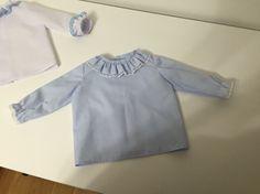 Camisa celeste - Realizada por Ana Caro-