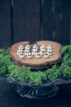 Mini Ghosts made from meringue - via Capture by Lucy