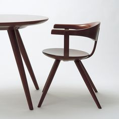 Table and chair designed by Sori Yanagi