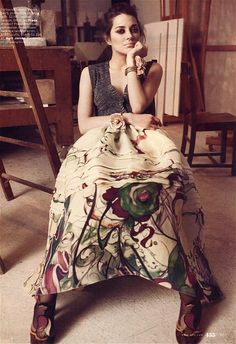 Comic Artist James Jean's print for Prada. Spectacular printed silk organza skirt worn by Marion Cotillard. Marion Cotillard, Audrey Tautou, Elle Magazine, French Actress, Glamour, Christopher Nolan, Spring Collection, Picture Collection, Fashion Branding