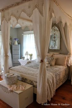 Beautiful Vintage Shabby Bedroom ! Aiken House and Gardens. | Beautiful Shabby Chic Bedroom Ideas for Women | #shabby #chic #shabbychic #bedroom