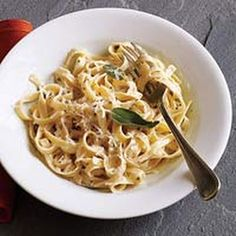 Fettuccine Alfredo - Weight Watchers @keyingredient #cheese #shrimp