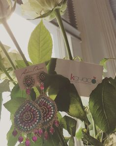 "Good morning gorgeous people!!! Complete your summer outfit👗👛👙🛍👚 with our beautiful accessories available in our web: www.kayacos.com  We have many unique earrings made in crochet with Italian' stones,  design by the talented Carolina Damas as this model ""Gota 03"", a really piece of art!!! Have a great week everyone!!!! #kayacoslondon #earrings #carolinadamas #crochet #filigree #unique #originalproducts #crueltyfree #petslover #accessories #coventgarden #jubileemarket #handcraft…"